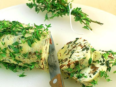 Tomaten-Oliven-Thymian Butter