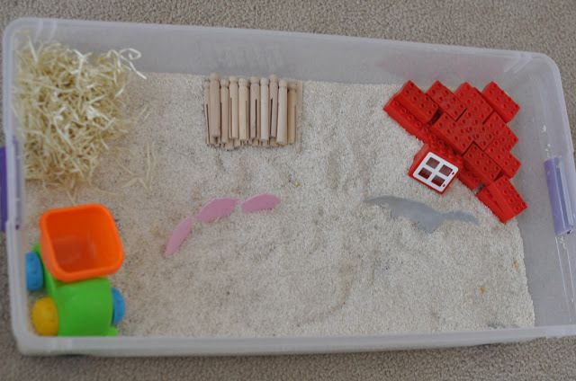 Tot School : The Three Little Pigs  sensory bin