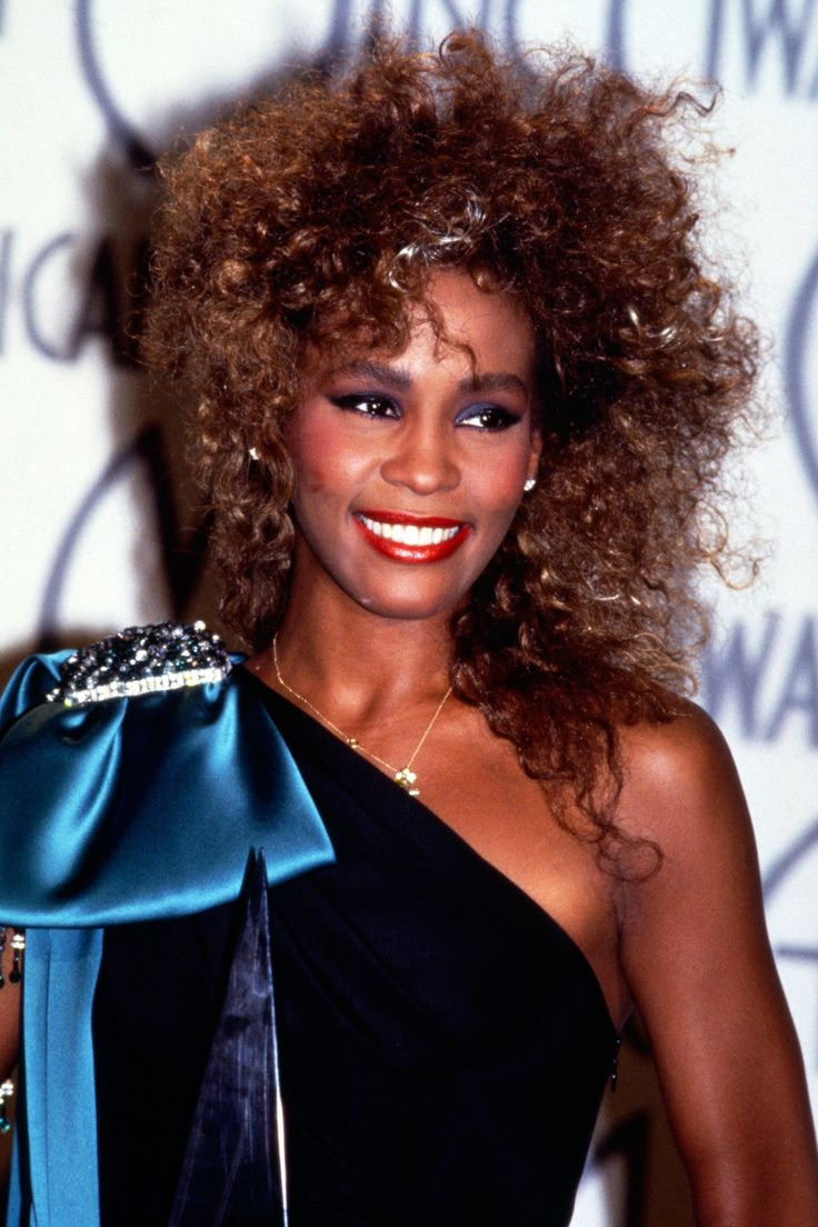 Whitney Houston Hairstyles 949 Best Images About Whitney Houston On Pinterest Natalie Cole