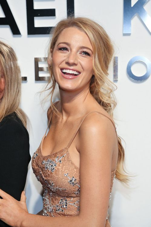 La queue de cheval de Blake Lively en front row du défilé Michael Kors