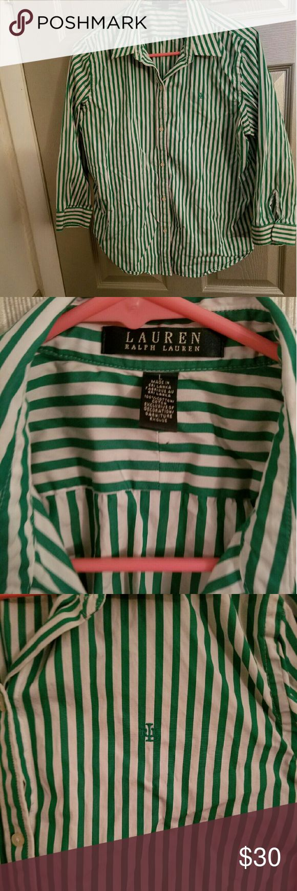 Ralph LAUREN Button Up Shirt Size-Large 100% cotton Shirt has only been worn 4 times Selling for a cheap price,feel free to make an offer!! Ralph Lauren Tops Button Down Shirts