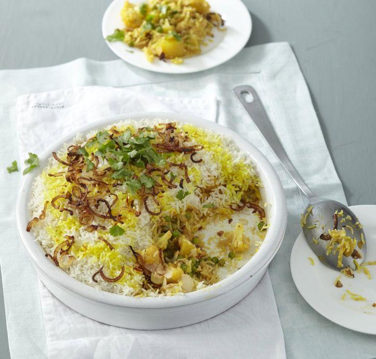 Rezept für Indischer Biryani-Reis bei Essen und Trinken. Ein Rezept für 6 Personen. Und weitere Rezepte in den Kategorien Gemüse, Gewürze, Kartoffeln, Kräuter, Milch + Milchprodukte, Nüsse, Reis, Hauptspeise, Backen, Braten, Dünsten, Kochen, Asiatisch, Einfach, Raffiniert, Vegetarisch, Hülsenfrüchte.