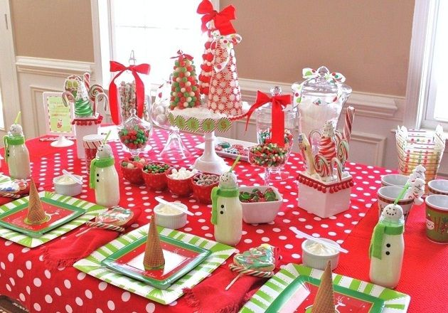 Are you ready for some inspiration for a kids Christmas party? Great ideas on this site for tablescapes and table settings for kids.