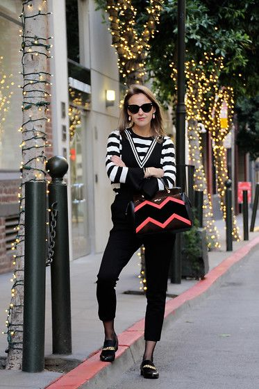 Get this look: http://lb.nu/look/8559845  More looks by Susanne Bender: http://lb.nu/bagatyou  Items in this look:  Dezzal Overall And Striped Shirt, Calvin Klein Loafers, Missco Girl Holdall Bag, G Star Raw Oversized Sunglasses   #chic #elegant #street #lotd #streetstyle #sanfrancisco #winter #overall #onepiece