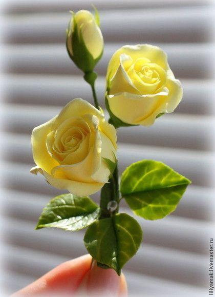 Заколки ручной работы. Нежно-лимонные бутоны роз (зажим для волос). Лилия Макарова. Ярмарка Мастеров. Заколка с цветами