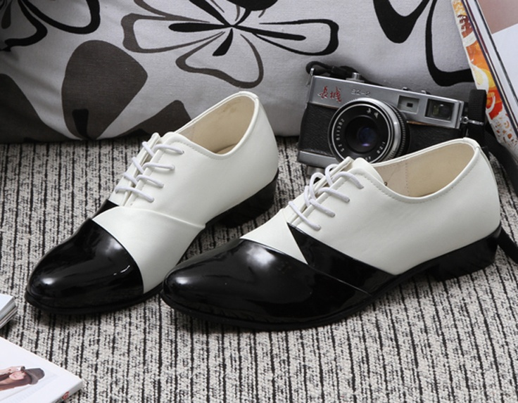 $65 || Mens white leather lace up oxfords shoes. || Item number: T13841804159W. || I am Ted Gold Supplier. We sell our items wholesale. Please feel free to contact me.