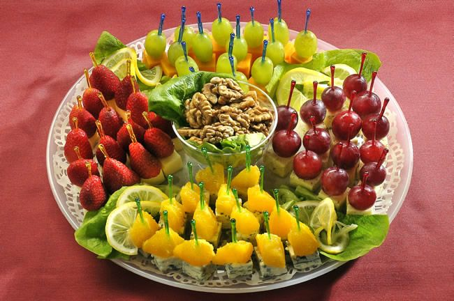 Канапе с фруктами.
