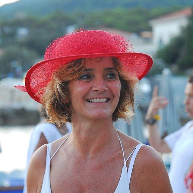 Red passion! #livorno #hatsummer #Toscana #tuscany #moda #ragazza #tuscany #sea #onde #spiaggia #cappelli #cappello #paglia #bolero #hat #cloche #instaitalia #instaitaly_photo #instaitalian #hatsummer #hat #matrimonio #instaitalia #instaitaly_photo #instaitalian
