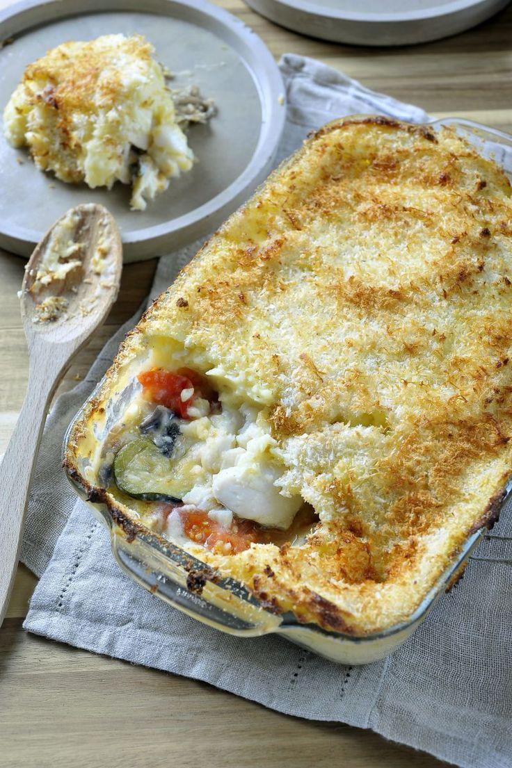 """Het lekkerste recept voor """"Ovenschotel in laagjes met kabeljauw"""" vind je bij njam! Ontdek nu meer dan duizenden smakelijke njam!-recepten voor alledaags kookplezier!"""