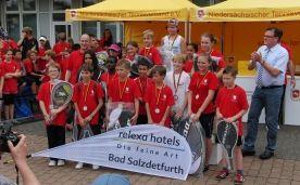 Auch das Team des relexa hotel Bad Salzdetfurth freut sich, die Jugend zu unterstützen. Deshalb unterstützt die Hotel das Streettennis-Tour.