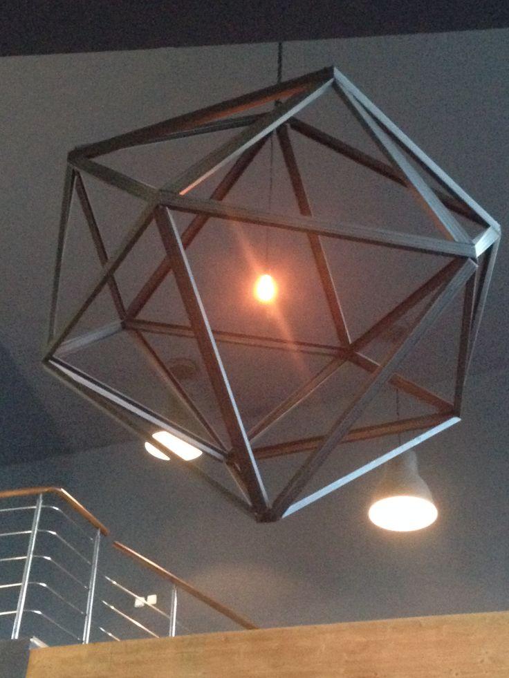 V našom online obchode v súčasnosti nájdete mnoho štýlov a modelov dekoračných žiaroviek