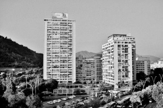 Fernando Castillo Velasco / Clásicos de Arquitectura: Torres de Tajamar, Santiago de Chile / Luis Prieto Vial