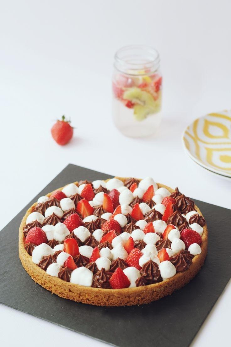 Sablé breton, crémeux chocolat, fraises, chantilly