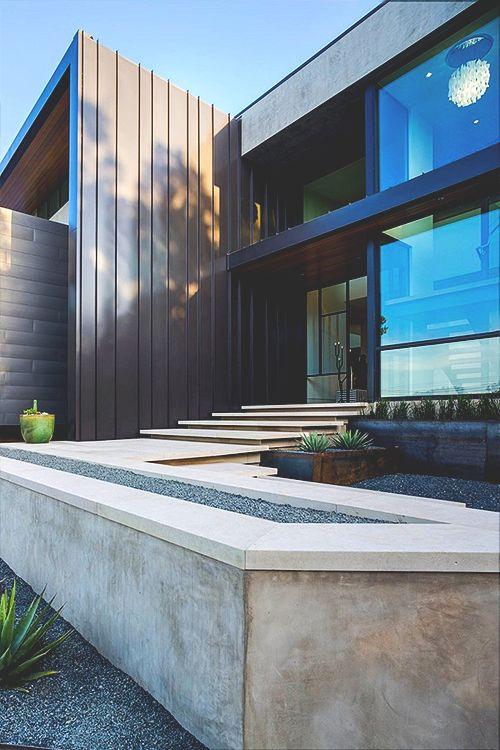 WaterFall House ©
