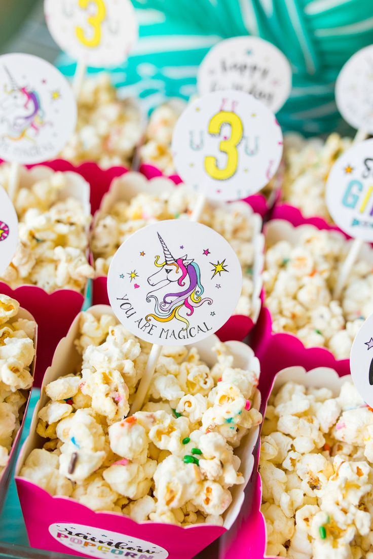 Rainbow Popcorn | Unicorn Birthday Party Ideas | by Jessica Wilcox of Modern Moments Designs | www.modernmomentsdesigns.com                                                                                                                                                                                 Más