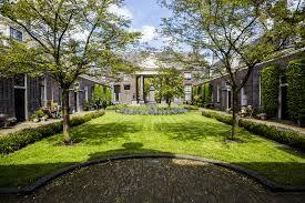 Afbeeldingsresultaat voor tuinen hofjes