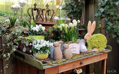 ….mein Dekotisch und Garten sind bereit. Dieses Jahr wieder in meinen Liebli…..