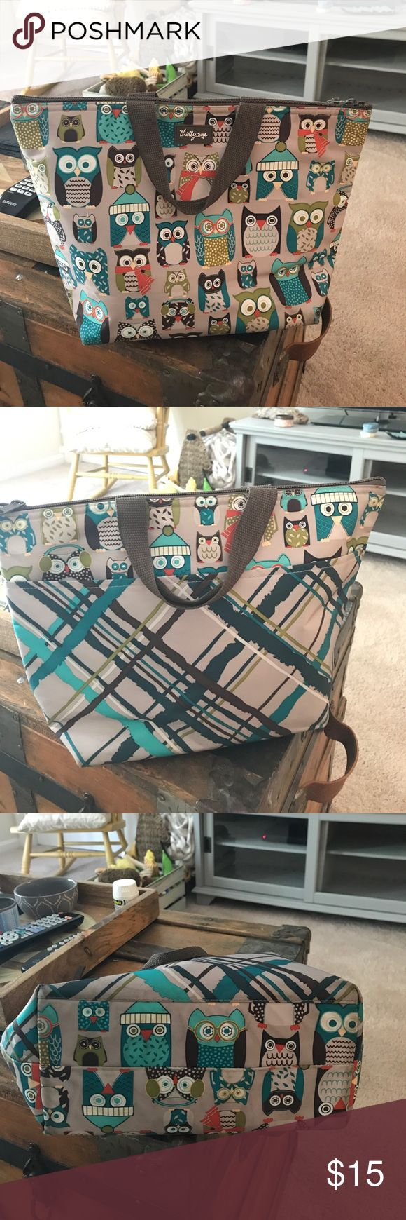 Thirty-One Lunch Bag Adorable owl pattern! Zips open, insulated. Gently used in great condition! thirty-one Bags