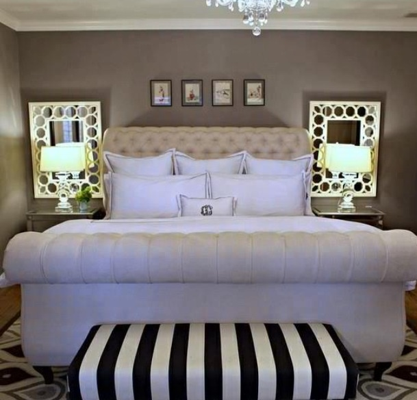 Love the bench at the end of the bed look. Totally need one .