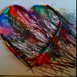 @Carmen Garza - I think maybe this is close to what Alexis wants to do.  Heart crayon art!!!