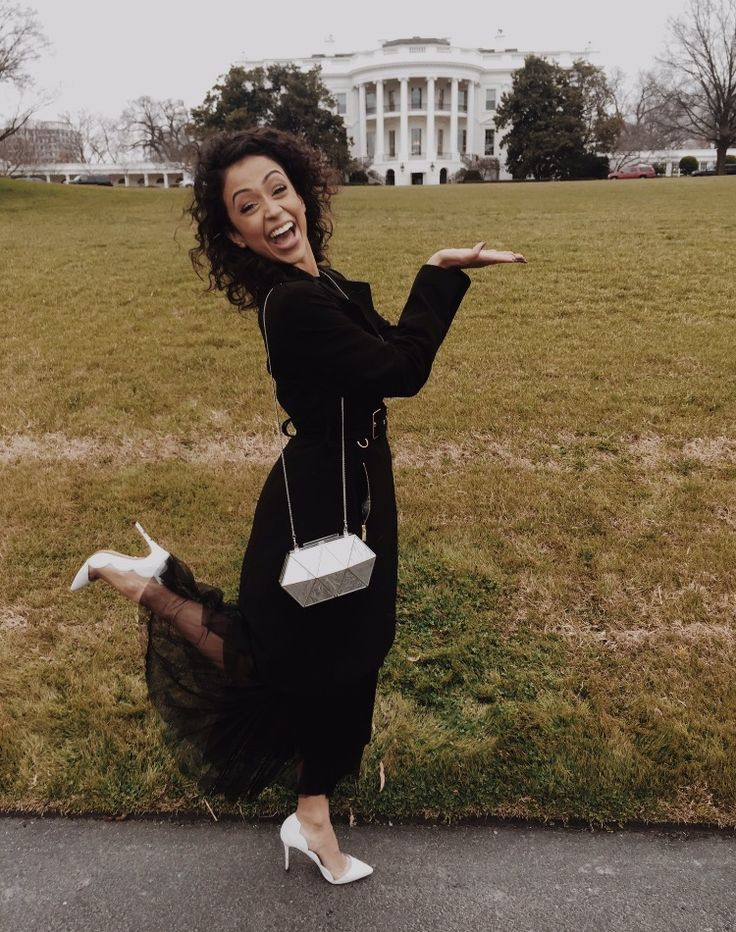 I'm at the white house with Lauren. # laundiy
