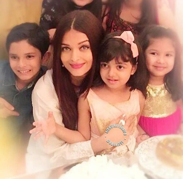Aishwarya with her daughter Aaradhya Bachchan