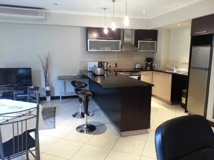 Fully furnished one bedroom upmarket apartment in Icon buildingclose to the V