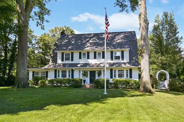 c. 1908 Colonial located at: 49 Westgate Blvd, Manhasset, NY 11030