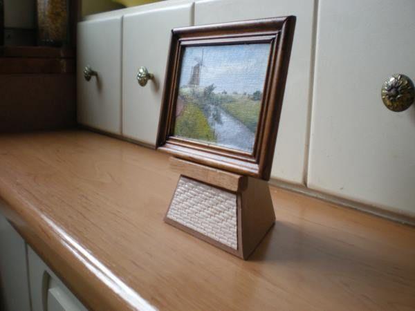 Hollands plaatje,6x8 cm Olie, standaard van stevig papier.