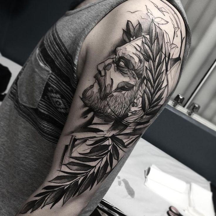 Luis Camões. Muito obrigado Julio 🙏 feito na @inkonik_tattoo_studio…