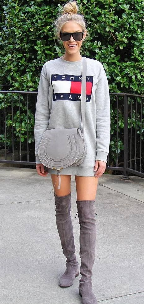 grey outfit inspiration - Tommy Jeans sweatshirt with suede boots