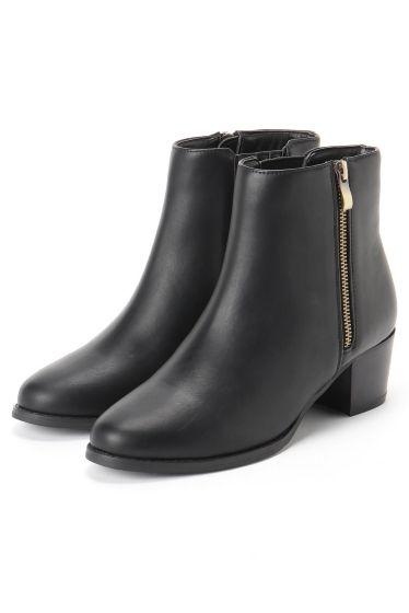 5cmサイドジップハイアンクルブーツ  5cmサイドジップハイアンクルブーツ 10584 今年も大人気のショートブーツ 品番16173820990030 5cmサイドジップショートブーツをより今シーズンらしくブーツ丈を少し長めにアップデートしました 5cmヒールの履きやすさと程よいカジュアル感をキープしながら今年らしい丈感で女性らしさも忘れない1足 ミディ丈スカートやパンツにもバランス良く合わせて頂けます
