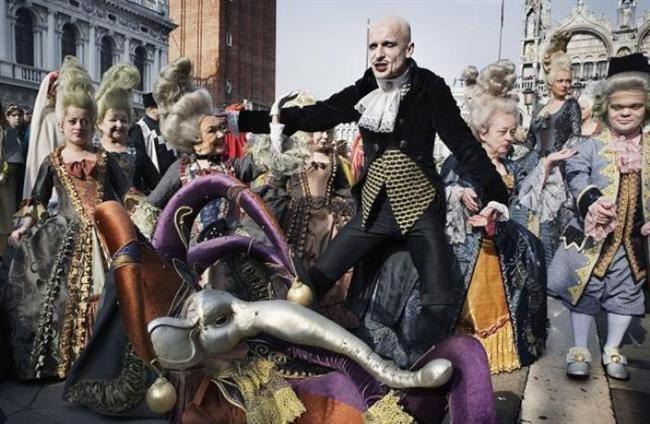 2014'de Katılmak İsteyeceğiniz FestivallerKarnaval — Venedik, İtalya Ne Zaman: 14 Şubat – 4 Mart (2014) Nerede: Venedik, İtalya Neden Gitmelisiniz: Karnaval 13. yüzyıldan beri süregelen bir Venedik geleneği. Dünyanın dört bir tarafından gelen insanlar maskeleri ve kostümleri ile yılın en stil sahibi partisine katılıyor.  Kaynak: http://www.estanbul.com/2014de-katilmak-isteyeceginiz-festivaller-402105.html#.VAsnd_l_spo