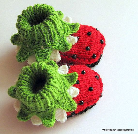 "Knitted baby girl booties ""ladybugs"", baby girl shoes, knitting, kids clothing / size 4-6M"