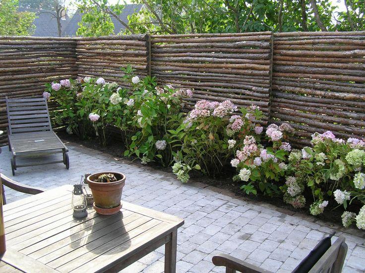 forskellige haver, haveanlæg, havedesign, anlægsgartner, raftehegn, hegn, terrasse, belægningssten, fliser, granit,