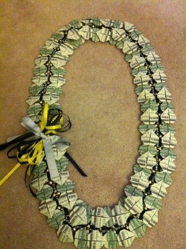 $50 Graduation Wedding All Occassion Money Lei Double Hearts - NEW