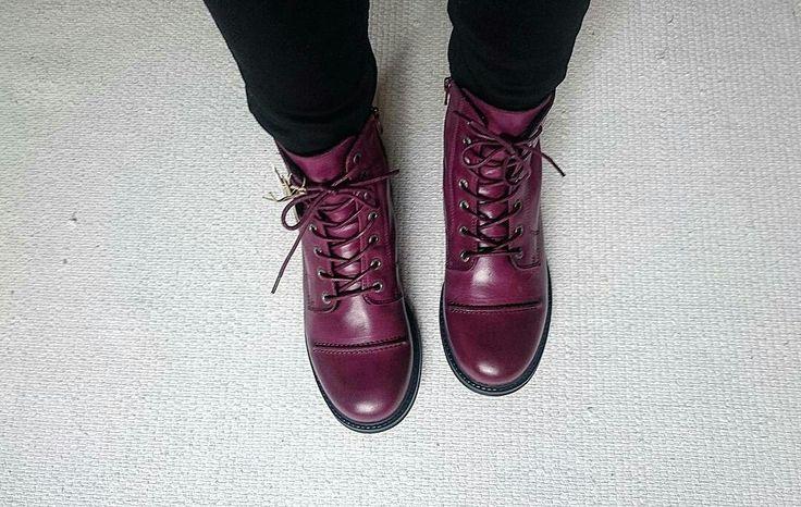 Burgundy combat boots, Ten Points.