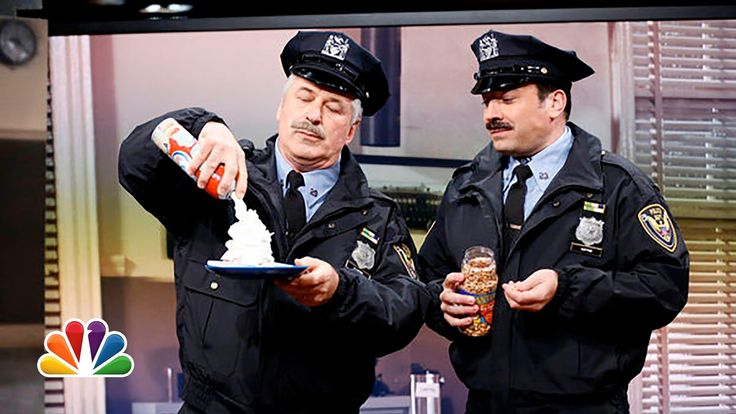 Jimmy Fallon & Alec Baldwin's 80's Cop Show This is the most hilarious clip ever! This will definitely make you laugh so hard you will start crying!