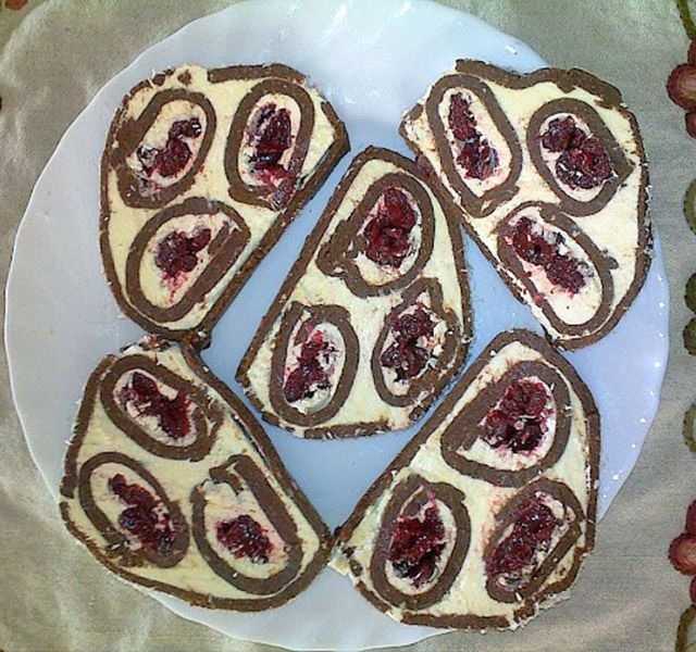Meggyes kókuszos keksztekercs, aminek elkérik majd a receptjét - www.kiskegyed.hu