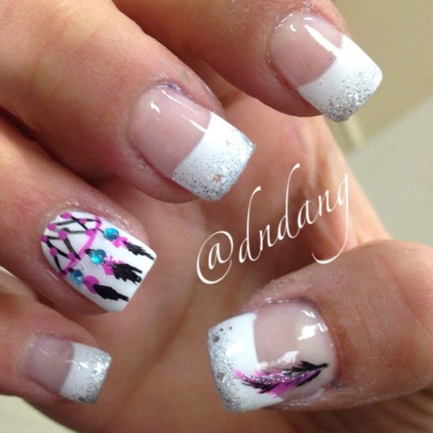 Dreamcatcher nails= creative and cute 