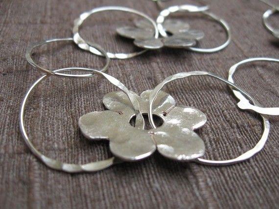 Flores y anillos hechos a mano del collar de plata esterlina