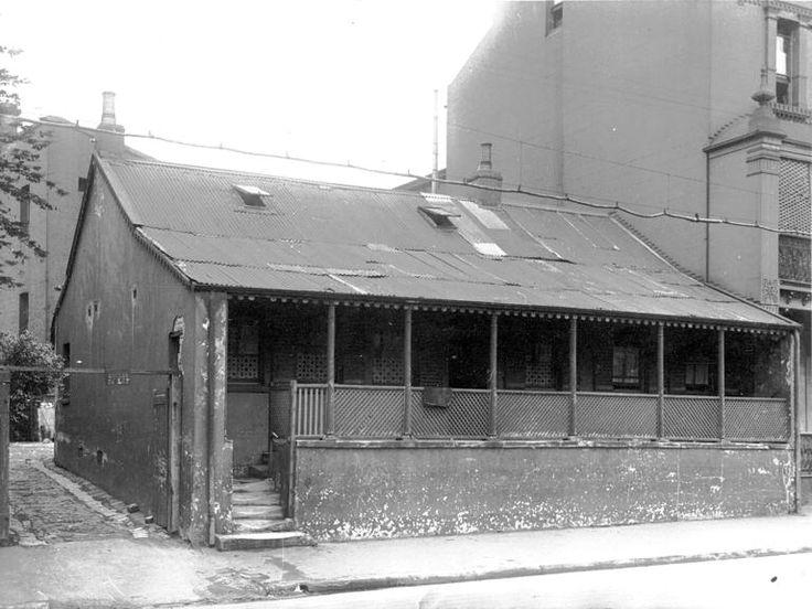 121 Princes Street. Showing house with corrugated iron roof, verandah, and well-worn steps. 3 December 1926. NSCA CRS 51, Demolition books, 1900-1949 NSCA CRS 51/1278, City of Sydney Archives. 001\001502