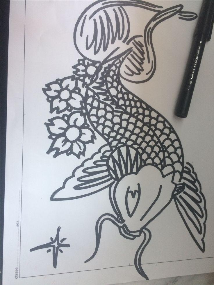 Tatuaggio carpa koi fatto in pennarello indelebile