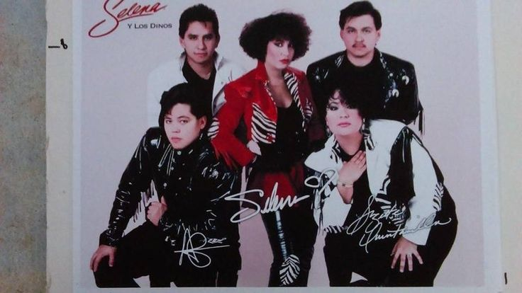 SELENA QUINTANILLA Y LOS DINOS MUSEUM publicity photo, SELENA red jacket, nm
