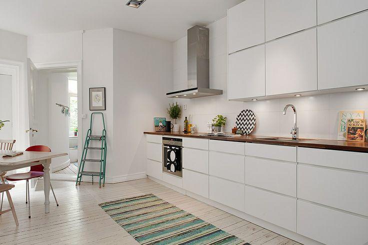 Современное оформление старой квартиры в Швеции