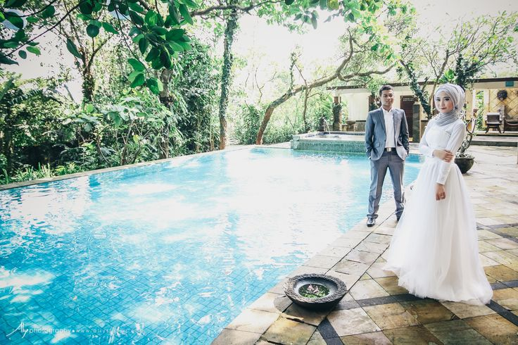 This is incredible! Unique work by Aliy Photography http://www.bridestory.com/aliy-photography/projects/jakarta-prewedding