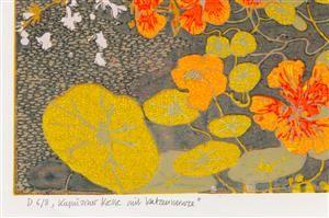Nikolaus Störtenbecker, Kapuziner Kresse mit Katzenminze, 2003. Farbholzschnitt, japanisch. Künstlerhandabzug. Ed. 6/8. Signiert, datiert und bezeichnet. Blattmaße: 48 x 64 cm, Bildmaße: 30 x 45 cm. Durch kleinste Auflagen haben die Holzschnitte Störtenbeckers starken Unikatcharakter. <BR>Störtenbecker studierte von 1960 bis 1965 an der Hochschule für bildende Künste Hamburg. Er ist Mitglied im Künstlersonderbund in Deutschland, eine Künstlervereinigung, die für realistisch-gegens...