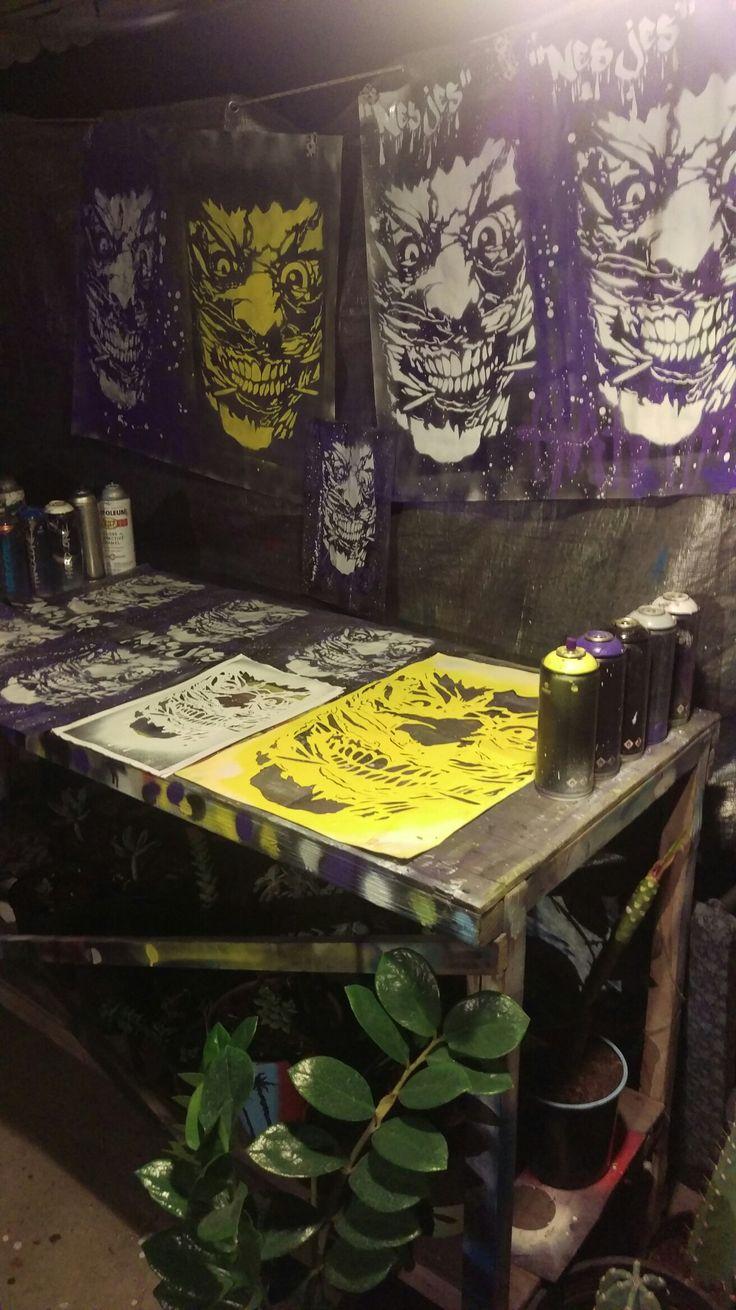 Stencil in the works The New 52 joker  Death of the family (New52)  #hardcore #mtn #montana #montanacans #new52 #Joker #stencil #streetart #art #stencilart #stickerart  #artrebels  #artlife #sprayart #slapart #creativeart #fanart #artistry #artwork #stencilism #new52joker #DC #throwups #streetphotography #creativespace #instaart #streetartfiles  #artstudio #workshop #deathofthefamily