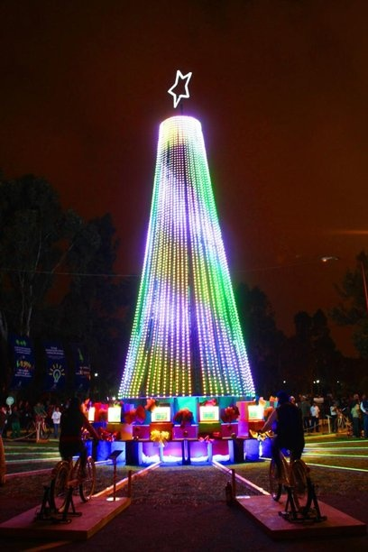 Great Christmas tree lit with kinetic energy of bicycles in Puebla Mexico