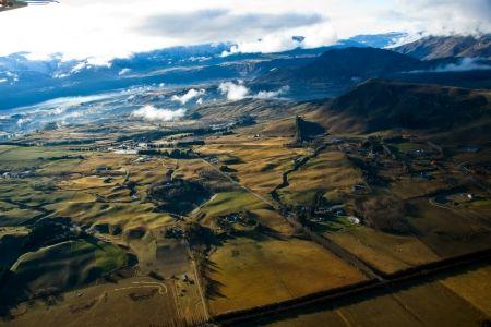飛行機のビューから強烈な農村ステム フィールズ 自然 高解像度で壁紙